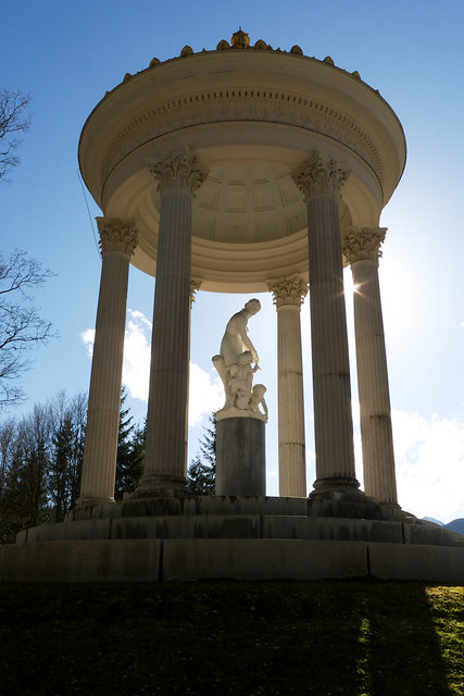 Round temple with a statue of Venus