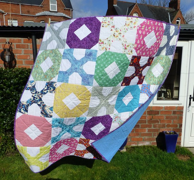 Bee Blessed Hugs & Kisses Quilt 001