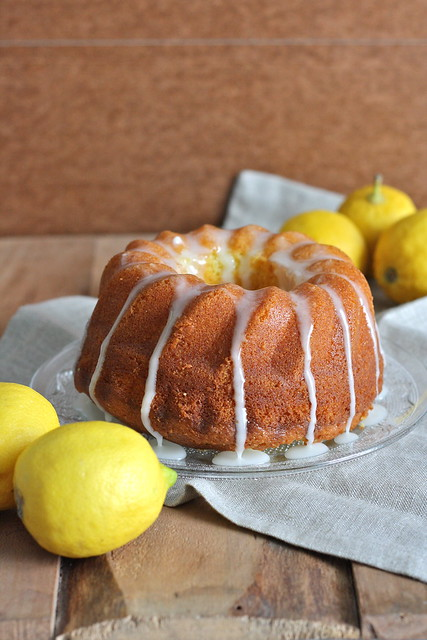 Torta glassata al limone