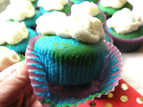 Mrs. Fields Secrets Earth Day cupcakes