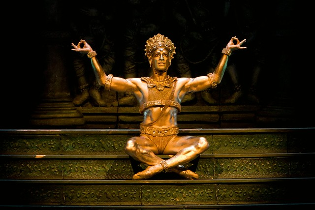 The Bronze Idol in La Bayadère © ROH/Bill Cooper, 2009