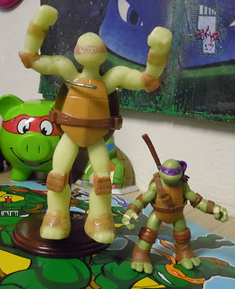 WICKED COOL TOYS :: Nickelodeon TEENAGE MUTANT NINJA TURTLES; 'WATER GROW TURTLES' - DONATELLO xv // ..with 2012 Nick Donatello  (( 2013 ))