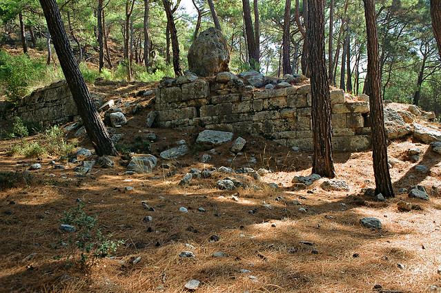 Phaselis, temple