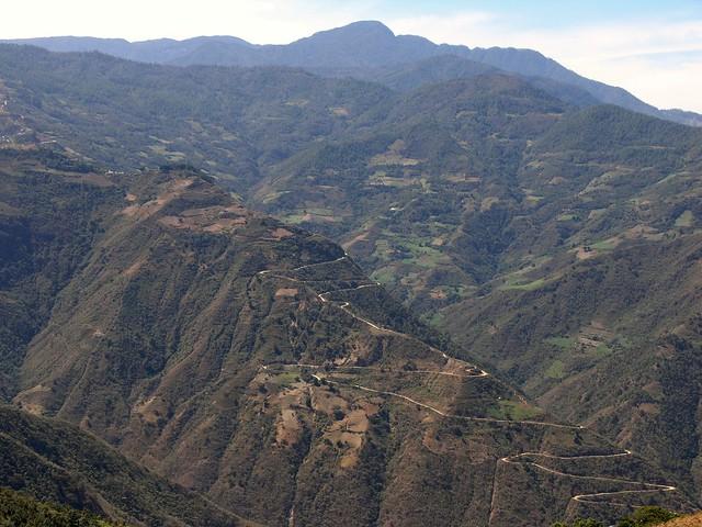 Camino entre San Cristóbal Lachiroag y San Francisco Yatee ...