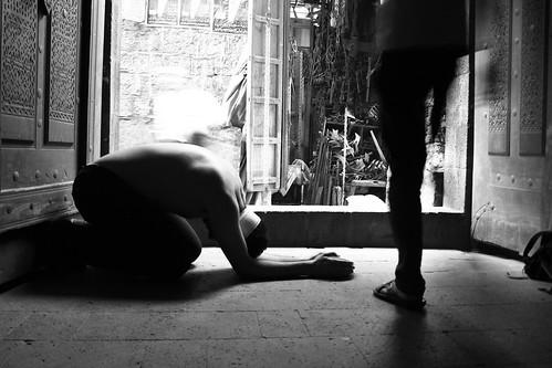 longexposure bw 6 man monochrome self canon person eos blackwhite essay exposure down story yemen concept sanaa conceptual storyboard begging sana beg vagrant blindfold selfphotography blindfolded d550 photoessay oldsanaa sooc straightoutofcamera blinkagain missingperspective