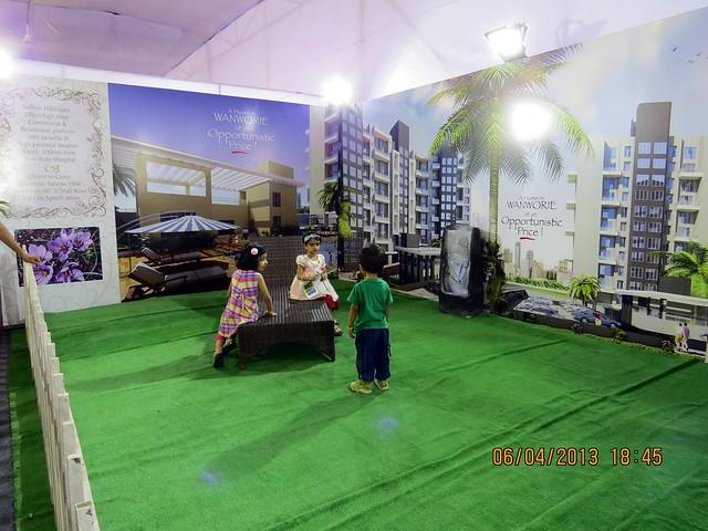 Saffron Hillscapes, 2 BHK & 3 BHK Flats at Azad Nagar, Wanwadi Annex, Pune - Maharashtra Times Pune Property Show April 2013