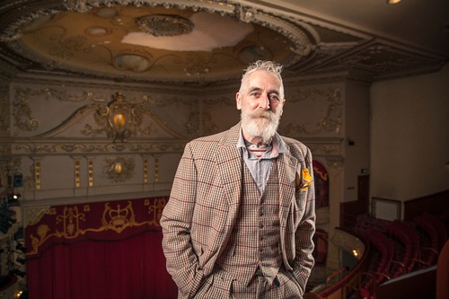 John Byrne in front of the current (1985-painted) ceiling. Photo © Aly Wight