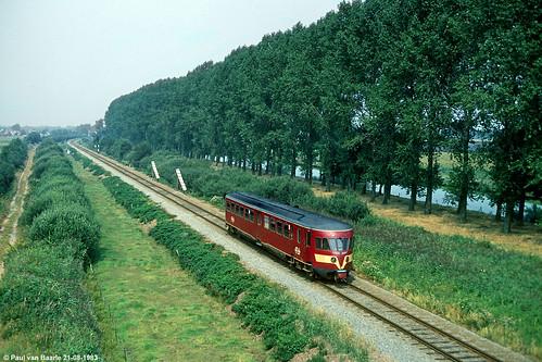 holland netherlands train allan canal nikon ns nederland eisenbahn zug emu kanaal railways treno trein overijssel thenandnow spoorwegen ferrocarril ferrovia nederlandse cheminsdefer dmu nederlandsespoorwegen planx toenennu de1 vriezenveen einstundjetzt overijsselskanaal