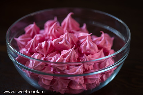 Розовая меренга Павлова