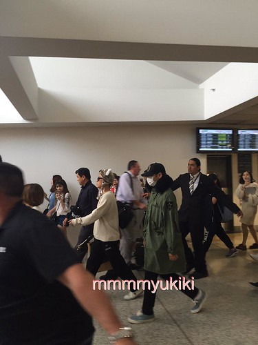 BIGBANG arrival Melbourne 2015-10-20 (20)