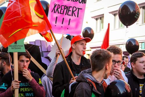 igmetalljugendbayern posted a photo:Ausbildung mit Perspektiven, investieren statt reduzieren!