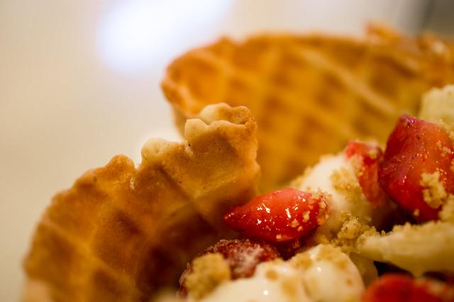 Strawberry Cheesecake Ice-cream with Strawberry and Banana