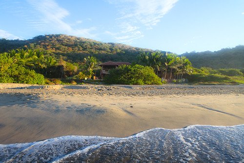 Casa Oasis Troncones - at the quiet end of the beach