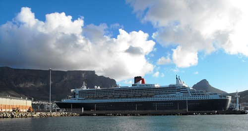 Queen Mary 2 - 9 April 2013 040 by chrisLgodden