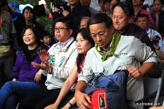 蔡英文(圖左)走訪藻礁,認為台灣正處於價值選擇的關鍵,期待台灣人民能選擇生態台灣。(攝影:呂東杰)
