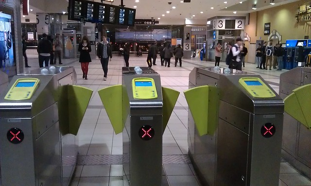 Myki Fail - gates at Flinders St all refusing entry