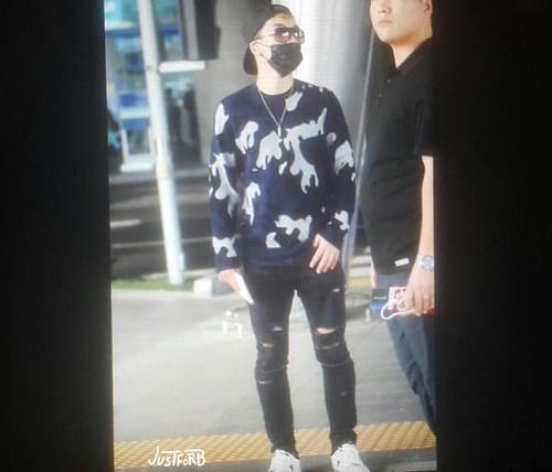 BIGBANG arrival ICN Seoul from Taiwan 2015-09-28 (7)