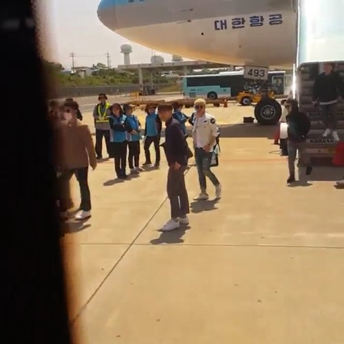 Big Bang - Jeju Airport - 19may2015 - chang_m_i_n - 01