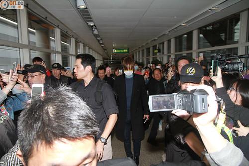 TOP arriving Hong Kong 2015-03-13 03