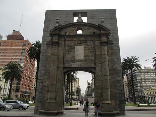 Montevideo: la porte de la Vieille Ville