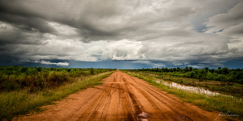 road cloud storm clouds nt australia thunderstorm topend wetseason the4elements thetopend douglasdaly therebeastormabrewin australiathunderstorms
