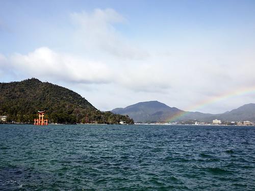 厳島神社 大鳥居と虹