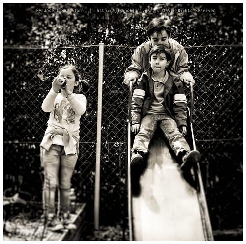 Alegria de los niños by Sansa - Factor Humano