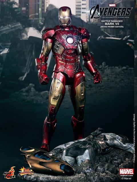 Hot-Toys-Battle-Damaged-Iron-Man-Mark-VII-002
