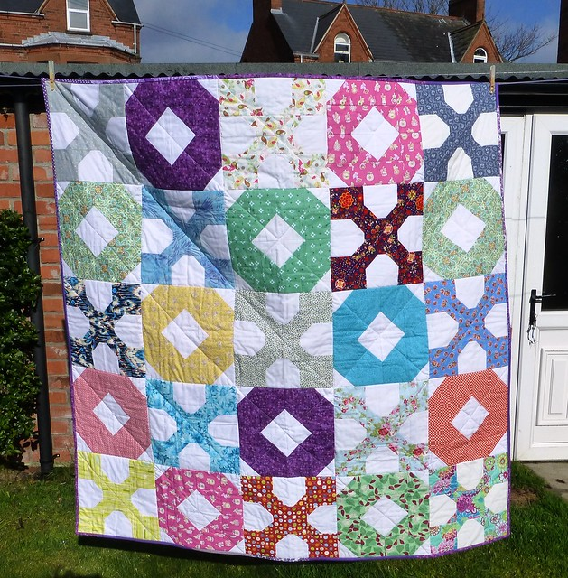 Bee Blessed Hugs & Kisses Quilt 004