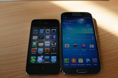 Samsung Galaxy S4 - iPhone 4