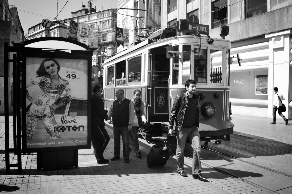 Historische Strassenbahn in der Istiklal Caddesi, Istanbul