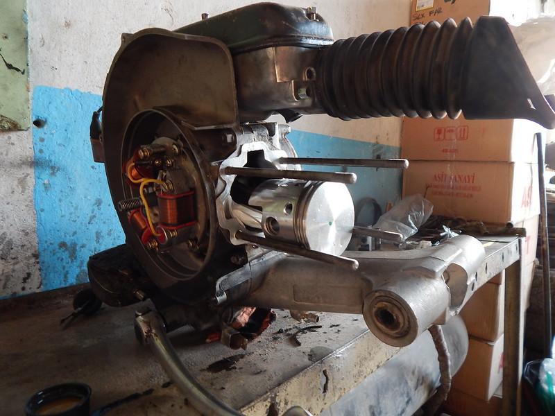 141113 Rimontaggio motore terzo gioro (19)