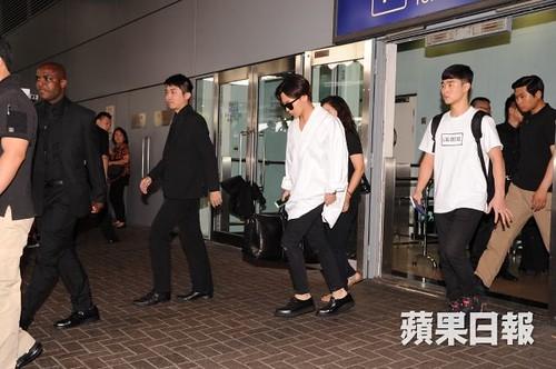GDragon-arrival-HongKong-20140806 (8)