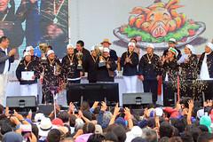09/25/2016 - 15:35 - Otavalo, Imbabura 25 Sep (Andes).- Se celebró en Otavalo la 2da edicion del campeonato mundial del hornado con la presencia del Presidente Rafael Correa y dignidades de estado en la mesa calificadora. Fotografías. Carlos Rodríguez/Andes