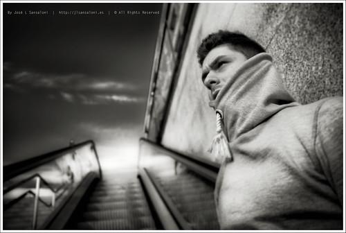Cristian y las escaleras automaticas by Sansa - Factor Humano