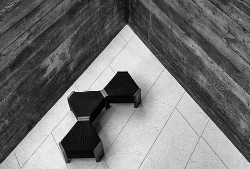 bw white black st switzerland nikon theater swiss architektur schwarzweiss stgallen gallen stadttheater beton sofas platten architectur d800e