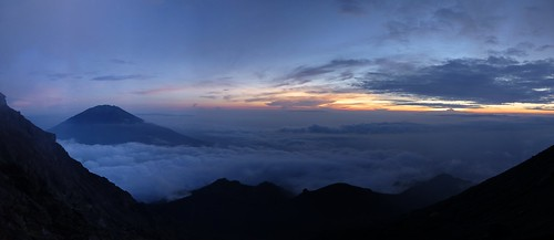 sunrise indonesia java hiking merapi