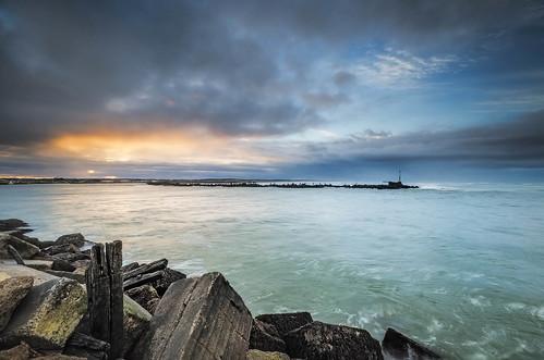 sea newzealand seascape clouds sunrise nikon rocks wideangle nz northisland westcoast wanganui whanganui wanganuiriver whanganuiriver earlymorninglight colourimage leefilters 1024mm d7000 lee06gndhard lee06gndsoft