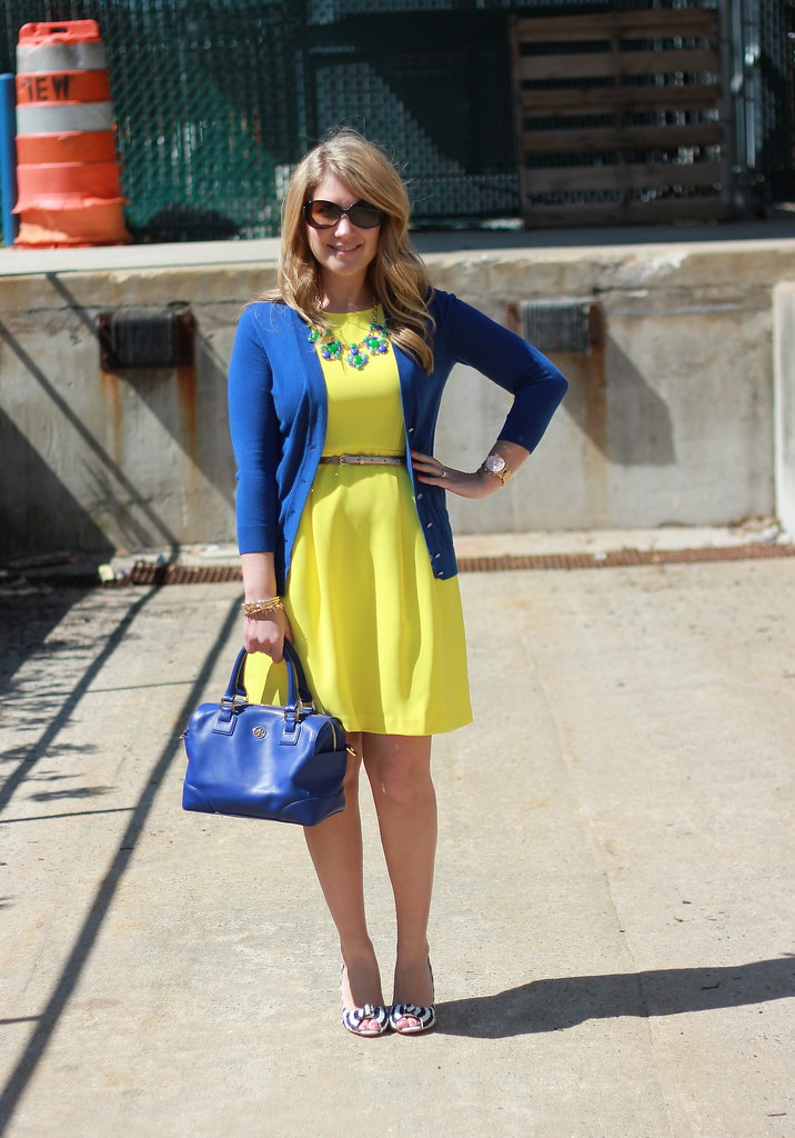 Blue and Yellow Work Outfit Idea