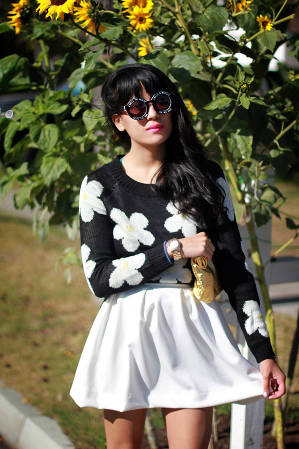Tarte Vintage Daisy sweater jumper, scuba neoprene skirt, Dolce Vita Helix heels, Metallic foil lunch bag clutch, House of Harlow Cross my Heart on a promise sunglasses