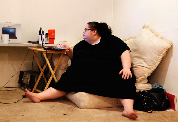 fat-woman-internet_1654487i