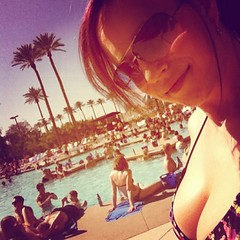 Hello from Luxor poolside take 2!!