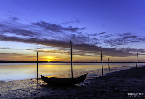 sunset sea sky sun seascape portugal silhouette composition reflections river photography boat silhouettes bluehour reflexos ria stakes aveiro silhuetas riverscape reflectionsonwater riadeaveiro murtosa canon550d eosrebelt2i canonlens18200mm