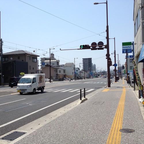 旭町1丁目目までは歩道が広く快適 by haruhiko_iyota