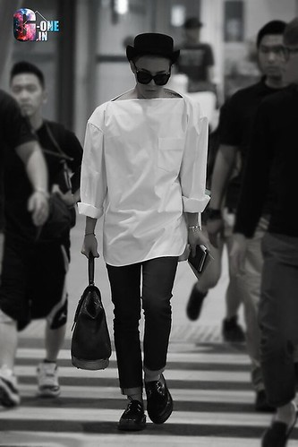 GDragon-IncheonAirport-backfromHongKong_20140806 (5)