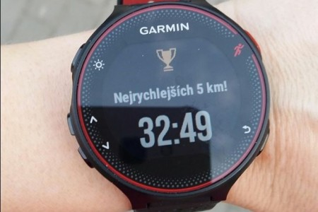 Recenze Garmin Forerunner 235 Optic