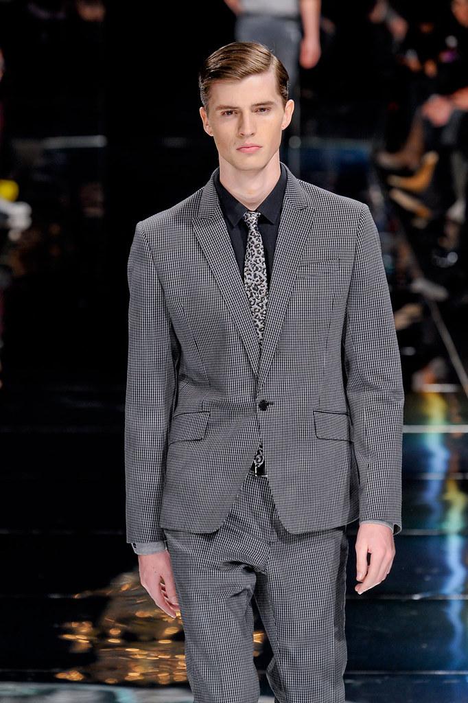 Taylor Cowan3009_2_FW12 Paris Bill Tornade(fashionising.com)