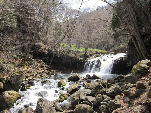 滝の湯川沿いの大滝 2013年4月10日10:59 by Poran111