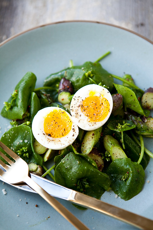 Miner's Lettuce with Soft Egg and Asparagus