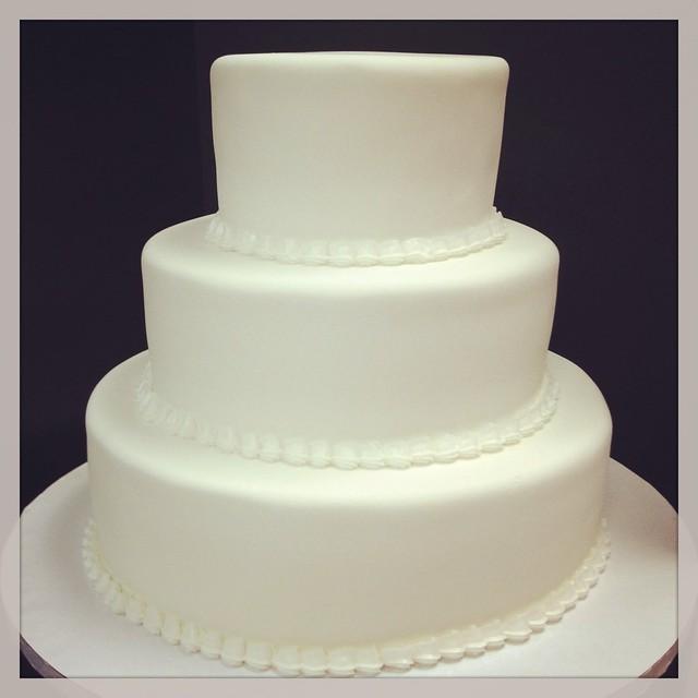 Simple White wedding cake   Flickr - Photo Sharing!